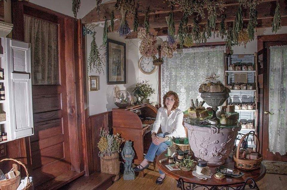 Country Artist Botanicals